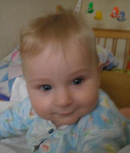 Развитие ребенка в 8 месяцев (7 – 8 месяц) - Развивающие игры с ребенком